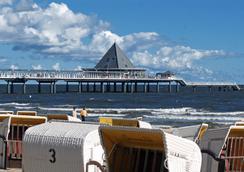 珀摩尔霍夫斯特尔酒店 - 塞巴特黑靈斯多夫 - 海灘
