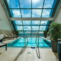 Radisson Blu Hotel, Frankfurt am Main Indoor Pool