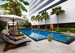 曼谷JW萬豪酒店 - 曼谷 - 游泳池