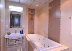 賽廳皇宮酒店 - 利雅德 - 浴室