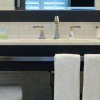Hotel Marisol Coronado Bathroom