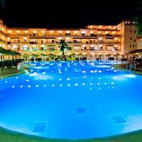 Bahía Tropical Outdoor Pool