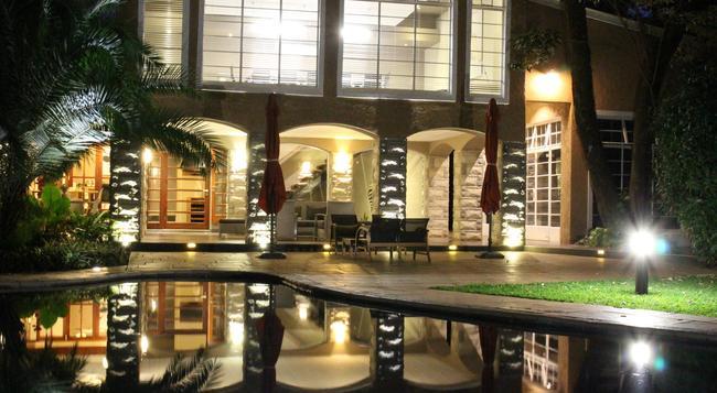 Sandalwood Lodge - Harare - 建築