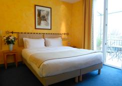 Hotel Acacias - 阿爾勒 - 臥室
