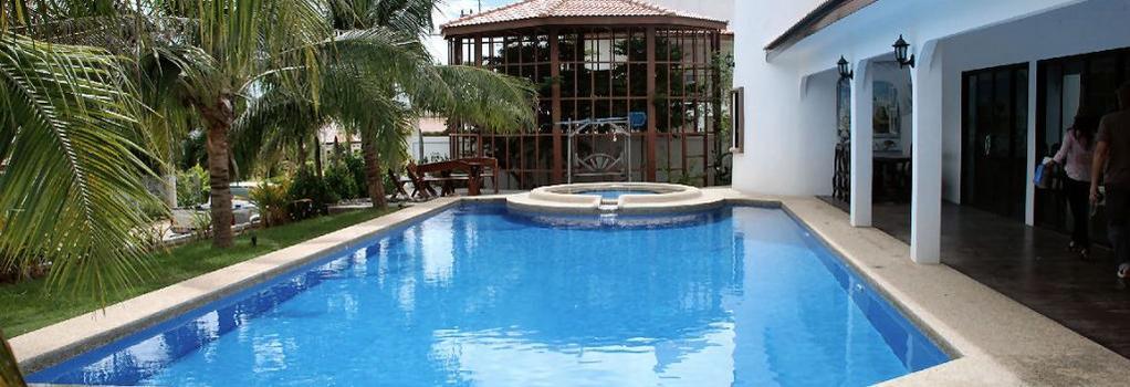 El Hacienda Homestead - 華欣 - 游泳池