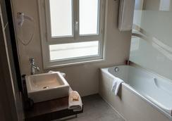 阿米勞特酒店 - Cannes - 浴室