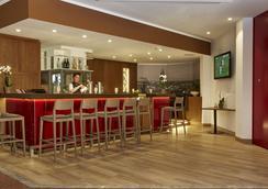 紐倫堡H+酒店 - 紐倫堡 - 酒吧