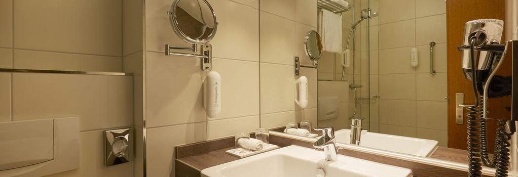 H+ Hotel Nürnberg - 紐倫堡 - 臥室