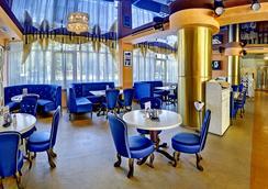 尤日內酒店 - 伏爾加格勒 - 酒吧