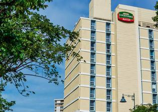 圣胡安米拉马尔万怡酒店