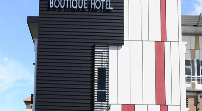 Lot 10 Boutique Hotel - 古晉 - 建築