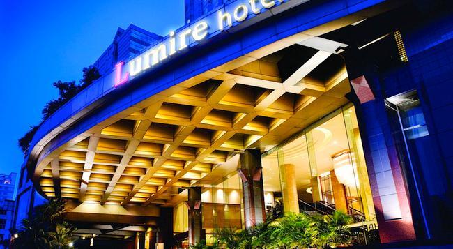 Lumire Hotel and Convention Center - 雅加達 - 建築