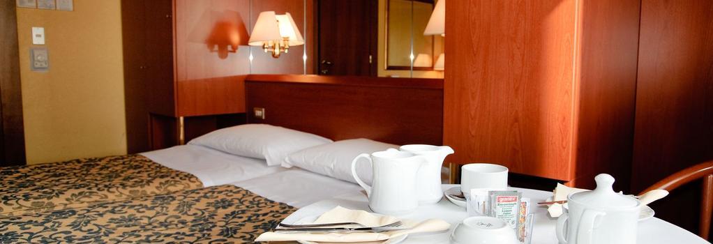 Novo Hotel Rossi - 維羅納 - 臥室