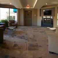 The East Avenue Inn & Suites Lobby Sitting Area