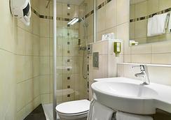 第戎中心北品質酒店及紀堯姆門餐廳 - 第戎 - 浴室