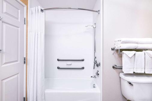 丹佛國際機場貝蒙特旅館套房酒店 - 丹佛 - 浴室