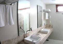 阿姆任安瑪酒店 - 福塔萊薩 - 浴室