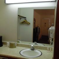 Red Roof Inn Kingman Bathroom