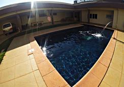 Hostel Saint Patricks - 福斯的伊瓜蘇 - 游泳池