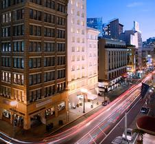 泰姬陵坎普頓廣場飯店