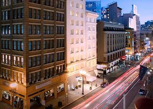 泰姬陵坎普頓廣場酒店
