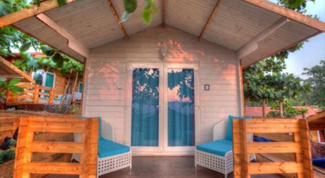 Estrela Do Mar Beach Resort - 卡蘭古特 - 臥室