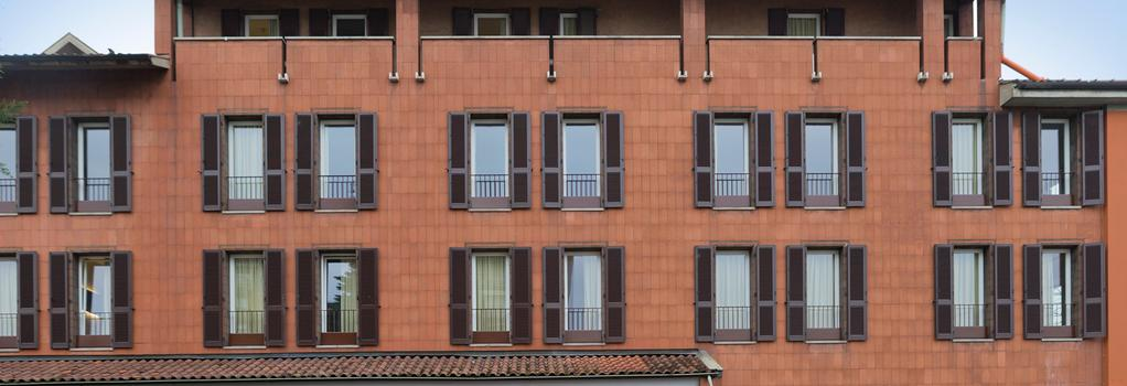 B&B Hotel Bergamo - 貝加莫 - 建築