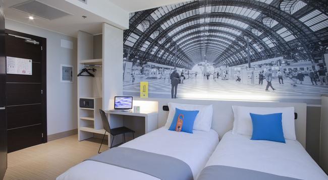 B&B Hotel Trieste - 的里雅斯特 - 臥室