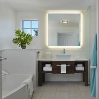 The Marker Waterfront Resort Key West Bathroom