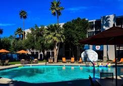 Hotel 502 - 鳳凰城 - 游泳池