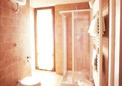 錫耶納托斯卡納旅館 - 錫耶納 - 浴室
