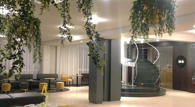Hotel Golf - 布拉格 - 大廳