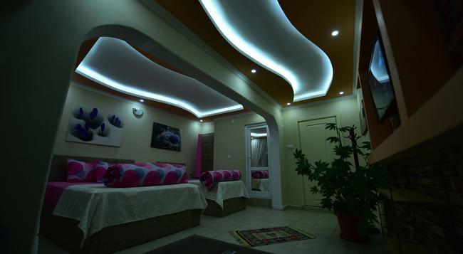 Eren Hotel - 伊茲密特 - 臥室