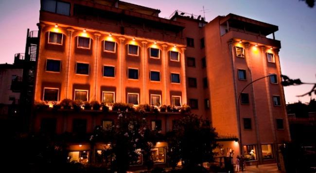 Grand Hotel Tiberio - 羅馬 - 建築