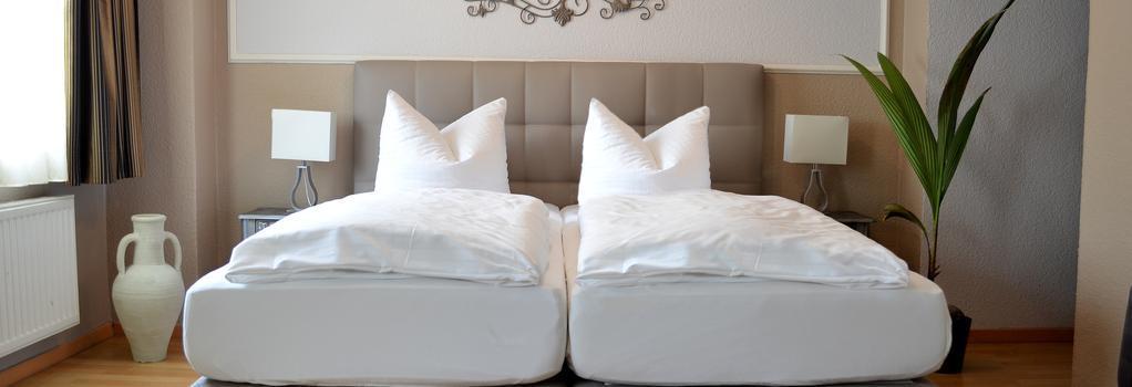 Hotel Stadt Bremen Garni - 不萊梅 - 臥室