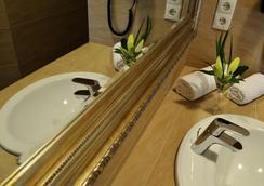 布萊梅斯塔德特酒店 - 不萊梅 - 浴室