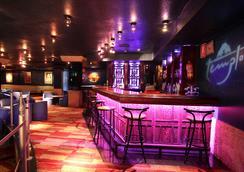 棕櫚灘酒店 - 貝尼多姆 - 酒吧