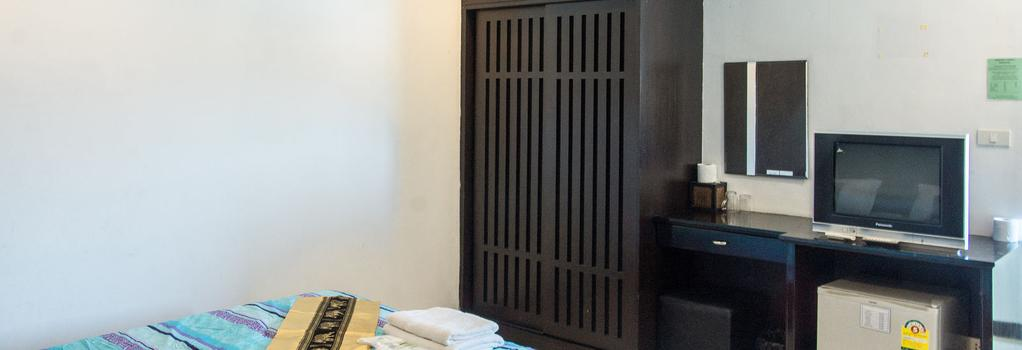 Patong Bay Guesthouse - 巴東 - 臥室