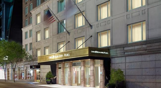 Omni Berkshire Place - 紐約 - 建築