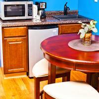 La Maison d'Art In-Room Kitchenette