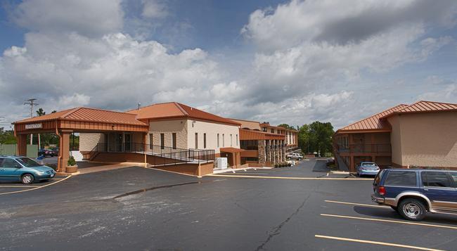Best Western Center Pointe Inn - 布蘭森 - 建築