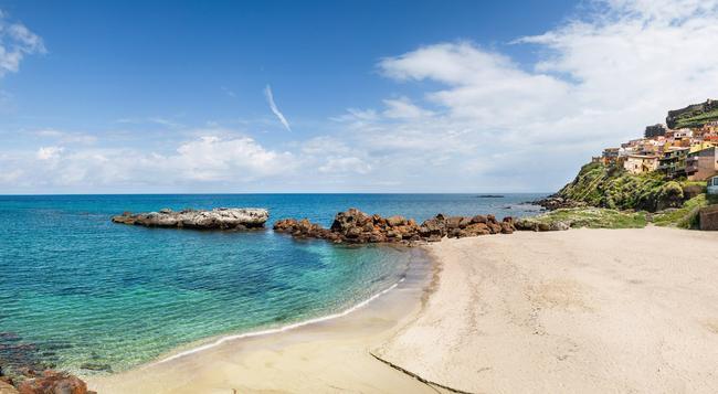 Hotel Riviera Spa - 卡斯特爾薩多 - 海灘