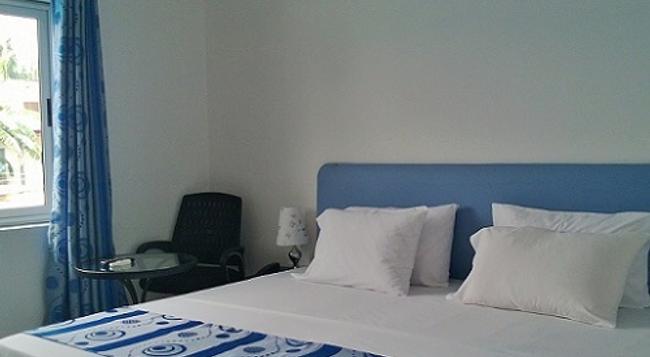 Hotel Elegance - 阿克拉 - 臥室