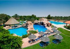 艾恩達納特度假酒店 - 艾恩 - 游泳池