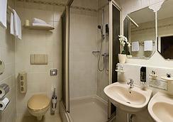 選帝侯大街維特爾斯巴赫酒店 - 柏林 - 浴室