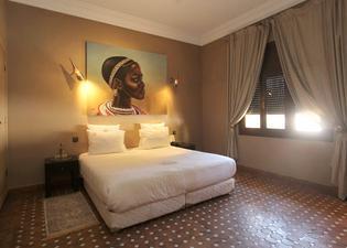 達爾昂布爾宮SPA旅館