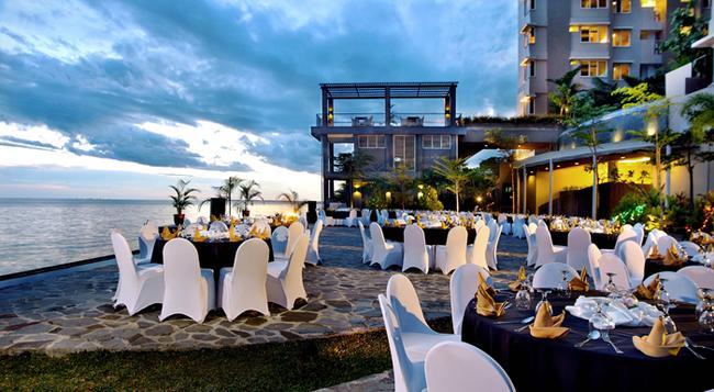 Aston Balikpapan Hotel and Residence - 巴厘巴板 - 室外景