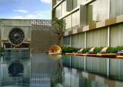阿斯頓日惹酒店 - 日惹 - 游泳池