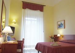 亞德里亞酒店 - 巴里 - 臥室
