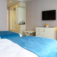 City Avenue Guestroom